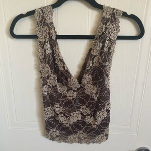 Guess top size small